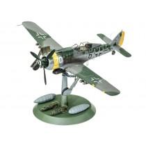 Revel 04869 Focke Wulf Fw 190F-8  1:32
