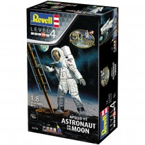 Revell 03702 Apollo 11 Astronaut on the Moon 1:8  Model Set